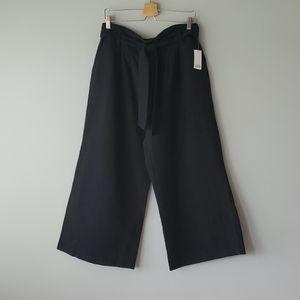 BP Black Wide Leg Tie Waist Capri Pants Large